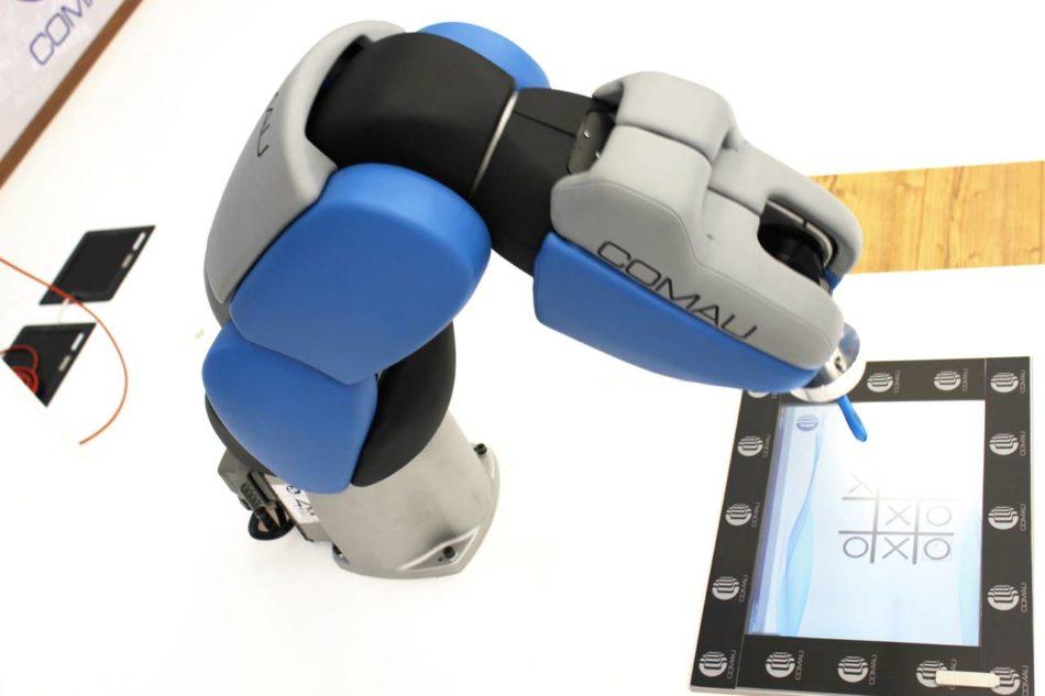 Automazione e robotica Comau al Motor Show 2016 di Bologna