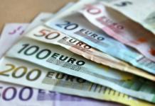 banconote euro fondi finanziamenti agevolati alle imprese prestito