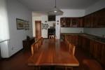 La sala da pranzo e la cucina PRIMA degli interventi di ristrutturazione