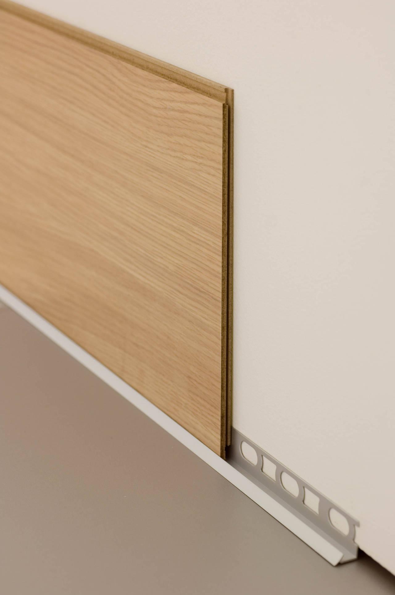 Pareti e legno le boiserie for Perline in legno per pareti prezzi