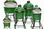 Big Green Egg, distribuito da Kunzi, è un barbeque e un forno-camino. DIsponibile in 5 modelli