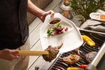 La collezione BBQ Passion di Villeroy & Boch è stata creata pensando al barbeque, offrendo un supporto differenziato e di stile per carne, vedure, patate e pesce