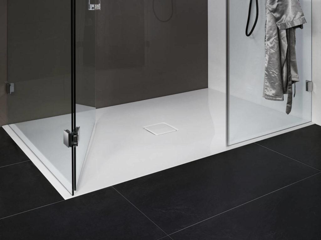 piatti doccia a filo pavimento belli e comodi. Black Bedroom Furniture Sets. Home Design Ideas