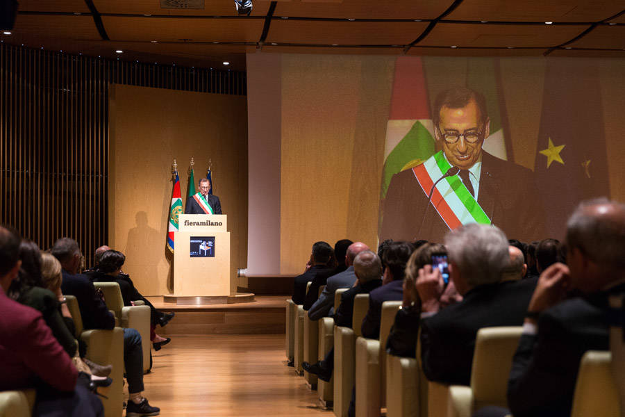 Mattarella inaugura il salone del mobile di milano for Il salone del mobile