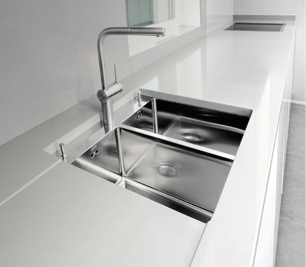 Un brevetto per creare piani continui ambiente cucina - Piani cucina materiali ...