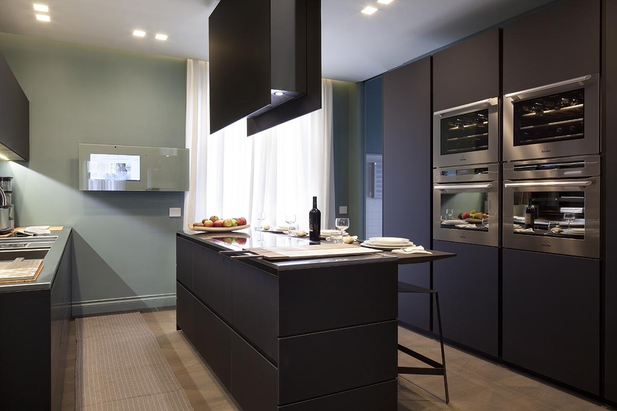 Cucina su misura per andrea castrignano ambiente cucina - Cucina su misura milano ...