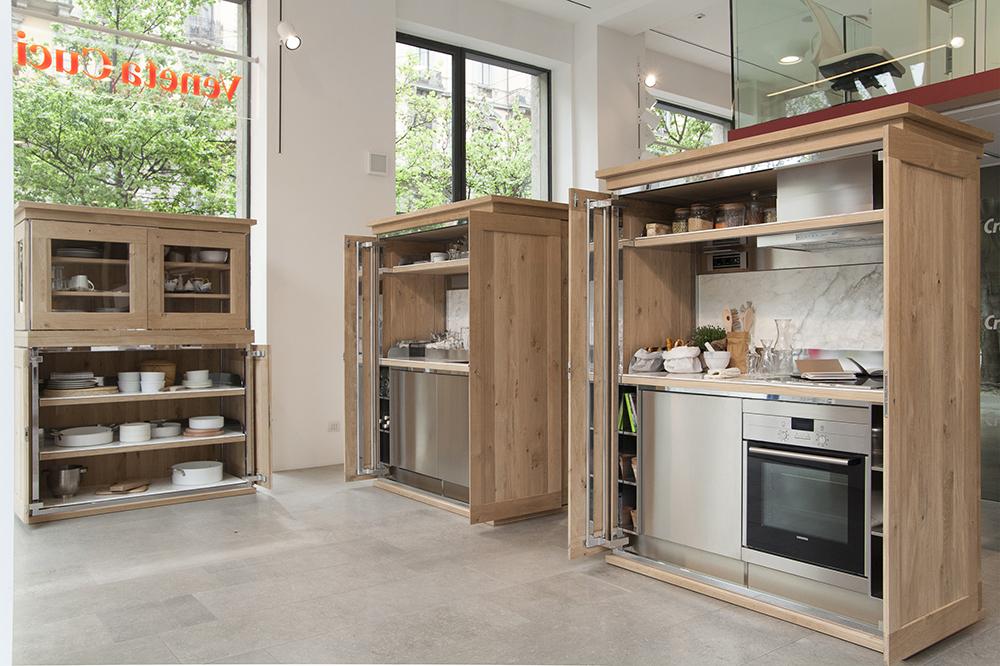 Cucine e design al fuorisalone di milano ambiente cucina - Cucina nascosta ...