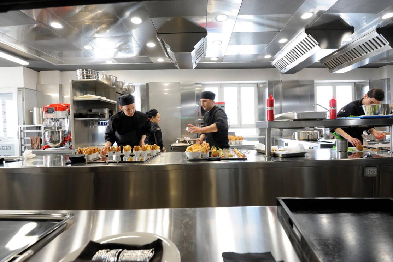 Cucina su misura per il ristorante asola di milano - Cucina su misura milano ...