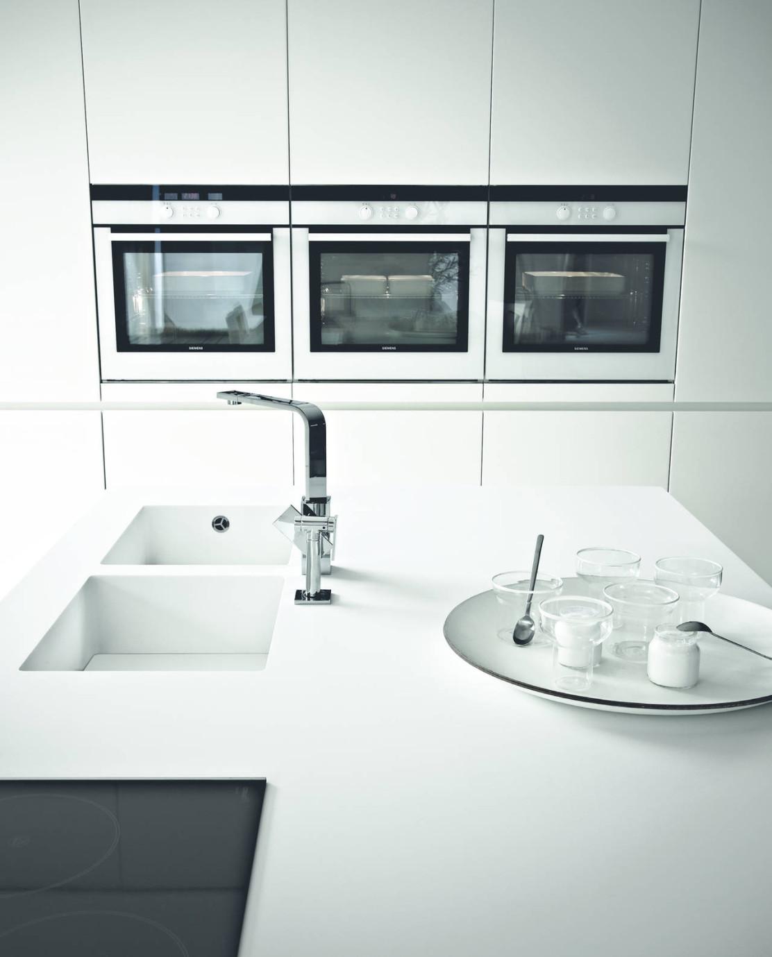 DuPont™ Corian® Per Le Cucine D'alta Gamma Varenna #596D72 1112 1379 Top Per Cucina Corian