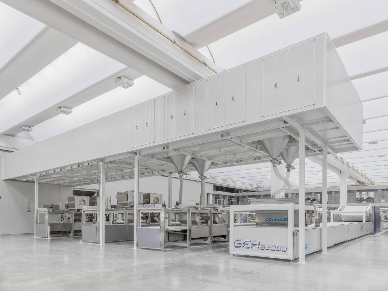 Nuovo impianto laminam per i piani di lavoro delle cucine for Piani di costruzione del negozio
