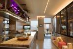 Cucina in acciaio a isola  per una residenza a Udine