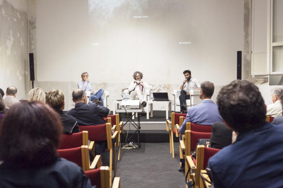 Un momento dell'incontro organizzato a Bologna da Faber sul tema dell'inquinamento indoor e delle possibili soluzioni