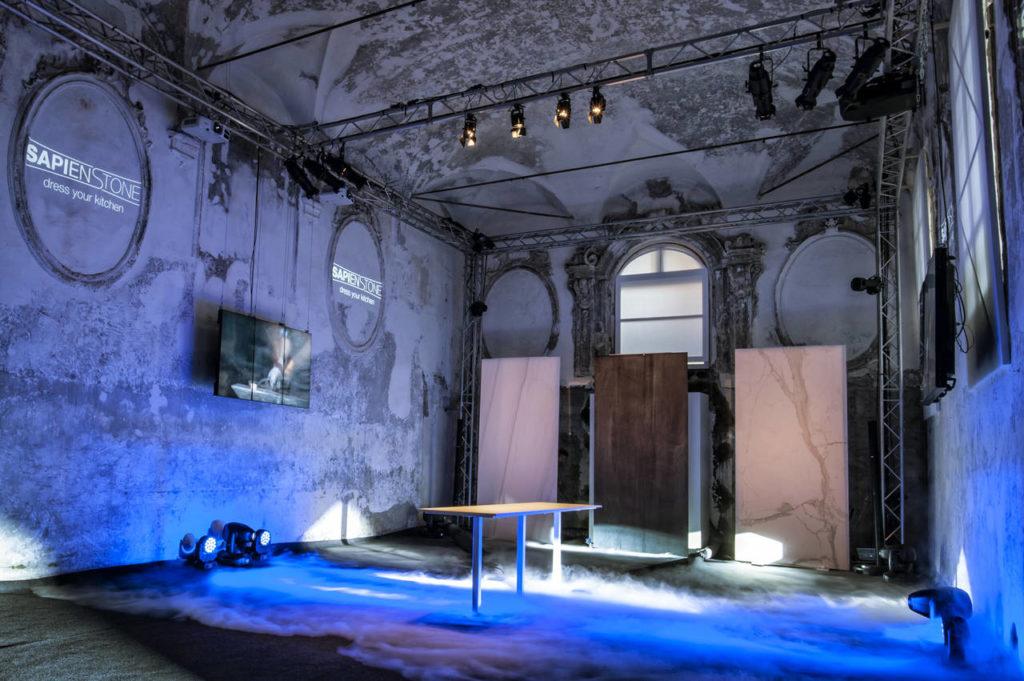 L'allestimento spettacolare dell'evento Dress Your Kitchen organizzato a Bologna per il lancio di SapienStone