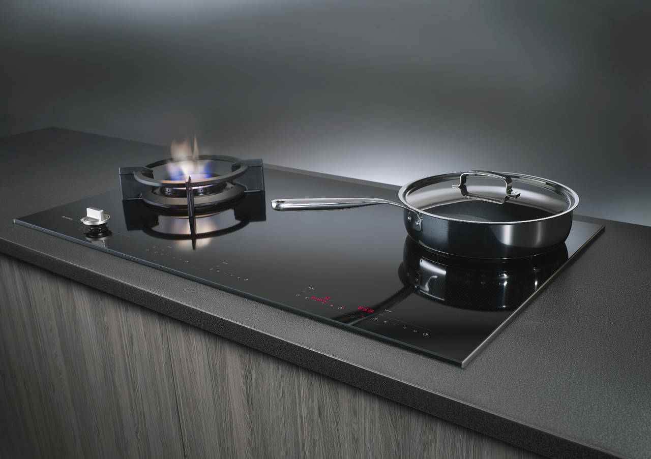 cottura integrata e professionale ambiente cucina. Black Bedroom Furniture Sets. Home Design Ideas
