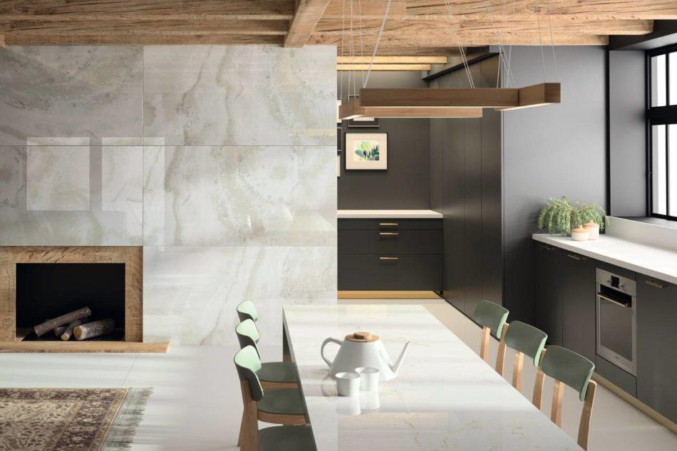 Una cucina realizzata utilizzando la superficie Dekton XGloss Natural