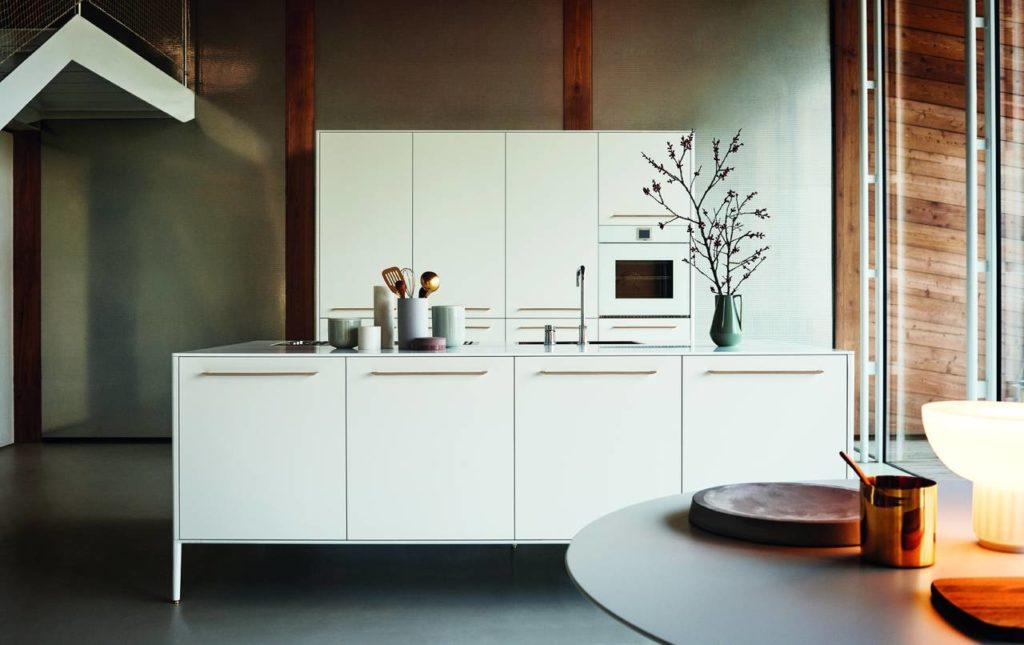 """La cucina Unit, di Cesar, cuore del progetto Fra(m)menti di Garcia Cumini nella Collettiva """"A Matter of Perception: Linking Mindy"""" a Palazzo Litta"""