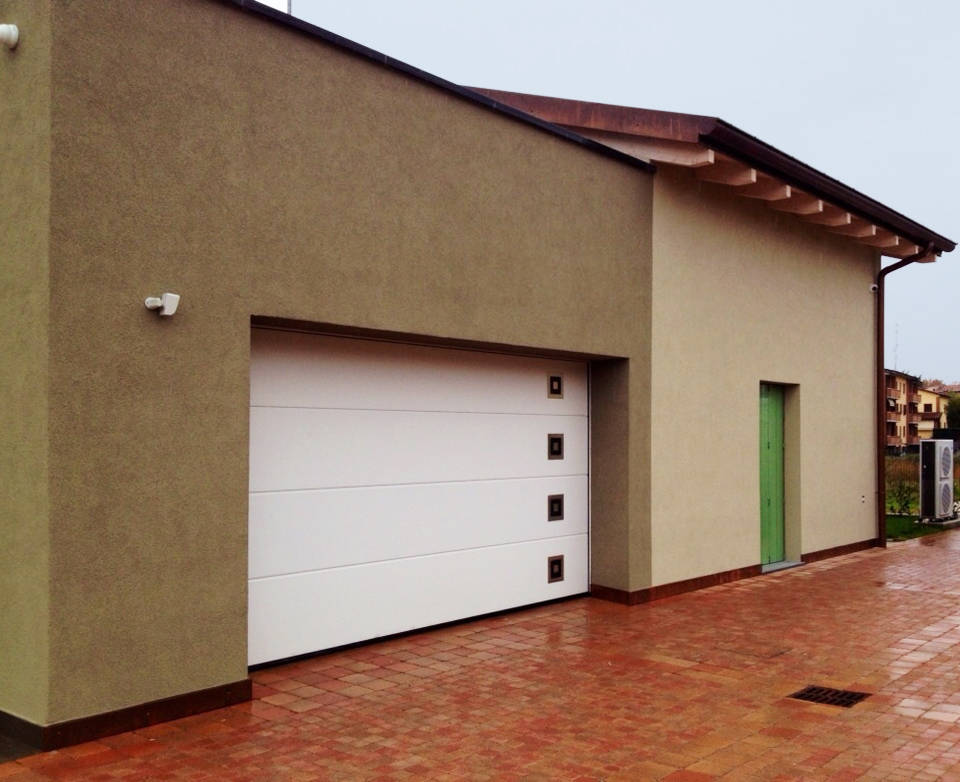 Villa Unifamiliare a Parma - Portone Lpu 40 Silkgrain con inserti - foto 1