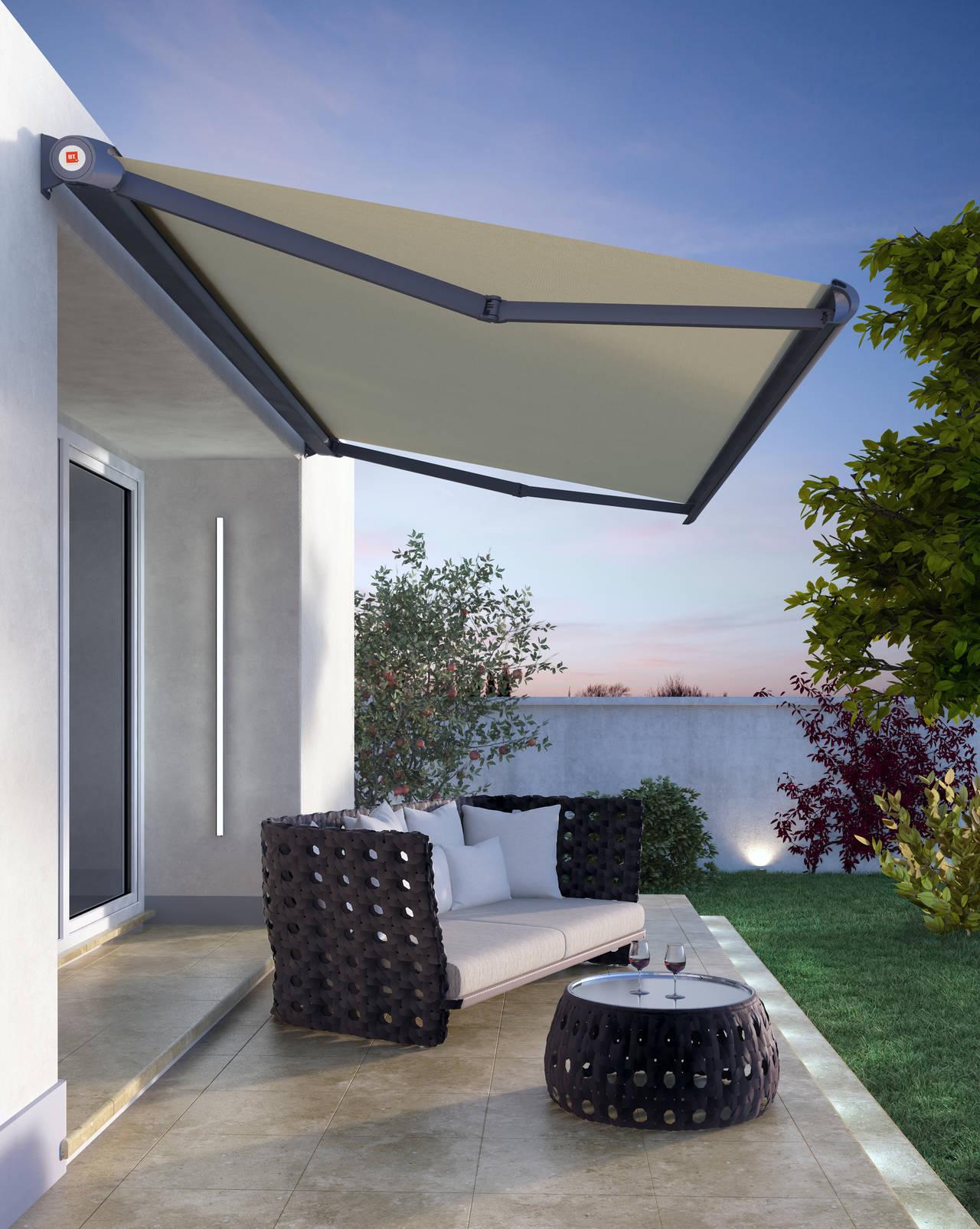 R93 ELEGANCE è la tenda a cassonetto totale, pensata per case di prestigio e ambienti esclusivi