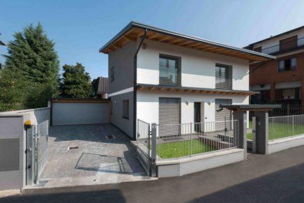 Villetta indipendente costruita da BLM Domus nel 2013, primo esempio di casa passiva mediterranea a Bollate in provincia di Milano