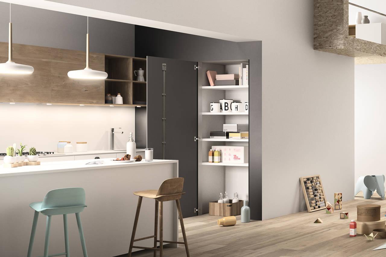 SKEMA su VANO FINITO di FerreroLegno, utilizzato per un vano cucina, nella variante grezza personalizzata nella stessa tonalità della parete, apertura a battente e telaio a tre lati