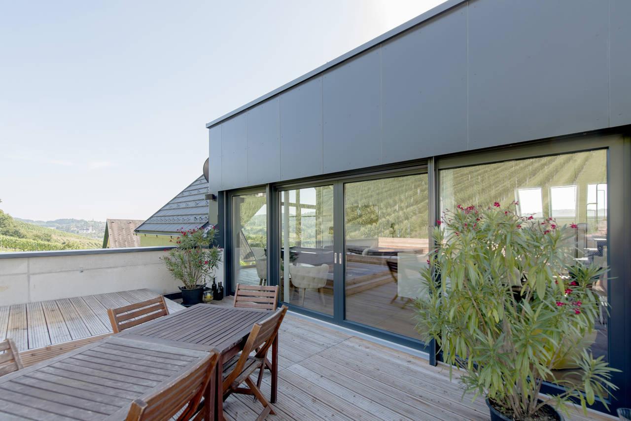 internorm presenta la finestra kf410 in pvc e pvc alluminio. Black Bedroom Furniture Sets. Home Design Ideas