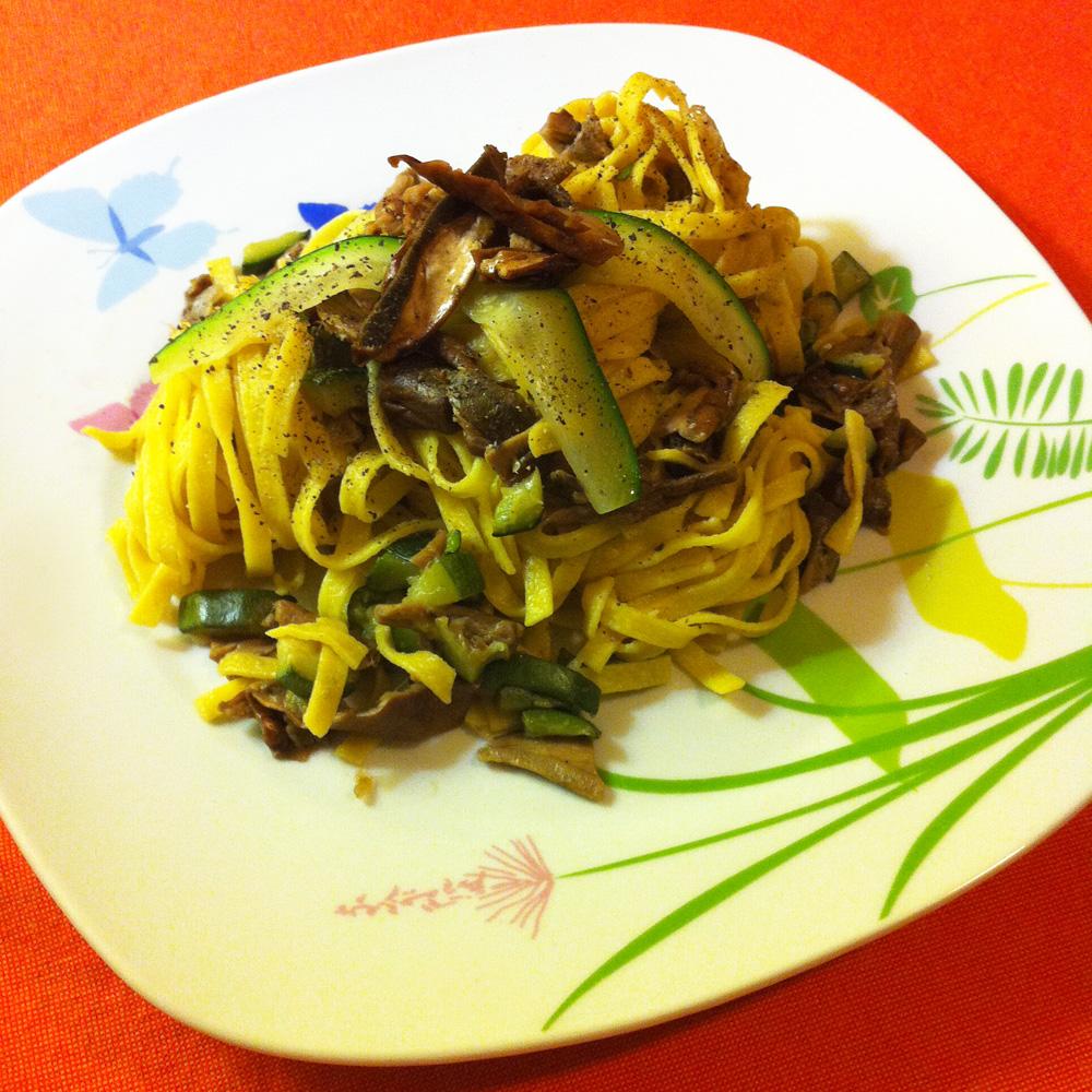 Tagliatelle Luciana Mosconi con zucchine e funghi