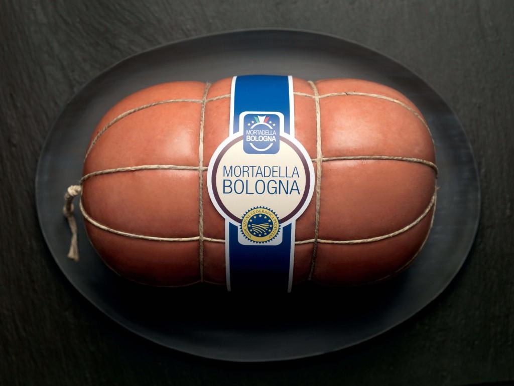 Mortadella Bologna IGP intera