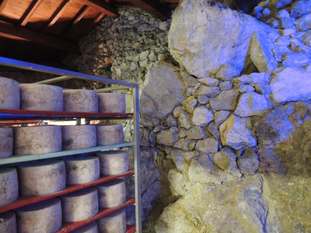 stagionatura zola nelle grotte