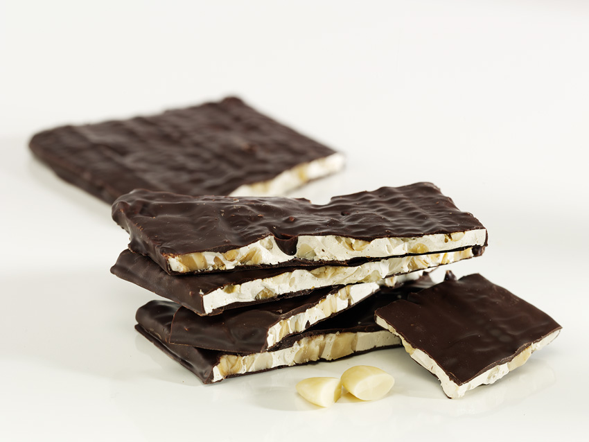 fette al cioccolato_dark chocolate nougat slice