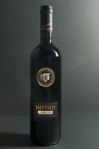 Dattilo, vino rosso della cantina Ceraudo, di Strongoli Marina (Crotone)