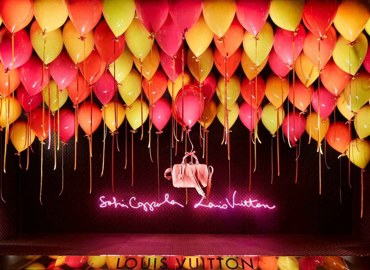 Louis Vuitton vetrina visual merchandising