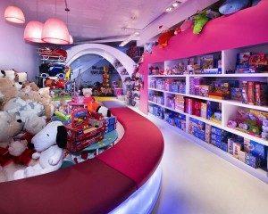 negozio-giocattoli-arredo-5-300x240