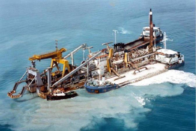 Scavo di fondali marini: l'autorizzazione per l'immersione dei materiali
