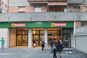 Basko, l'insegna dei supermercati di Sogegross (Agorà Network) testa un format di nuova generazione nello store aperto di recente a Genova nel quartiere di San Gottardo, in via Emilia 30/R. All'interno è stato creato il primo Bistrot.
