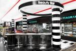 Sephora ammoderna i suoi Beauty Bar con nuovi servizi