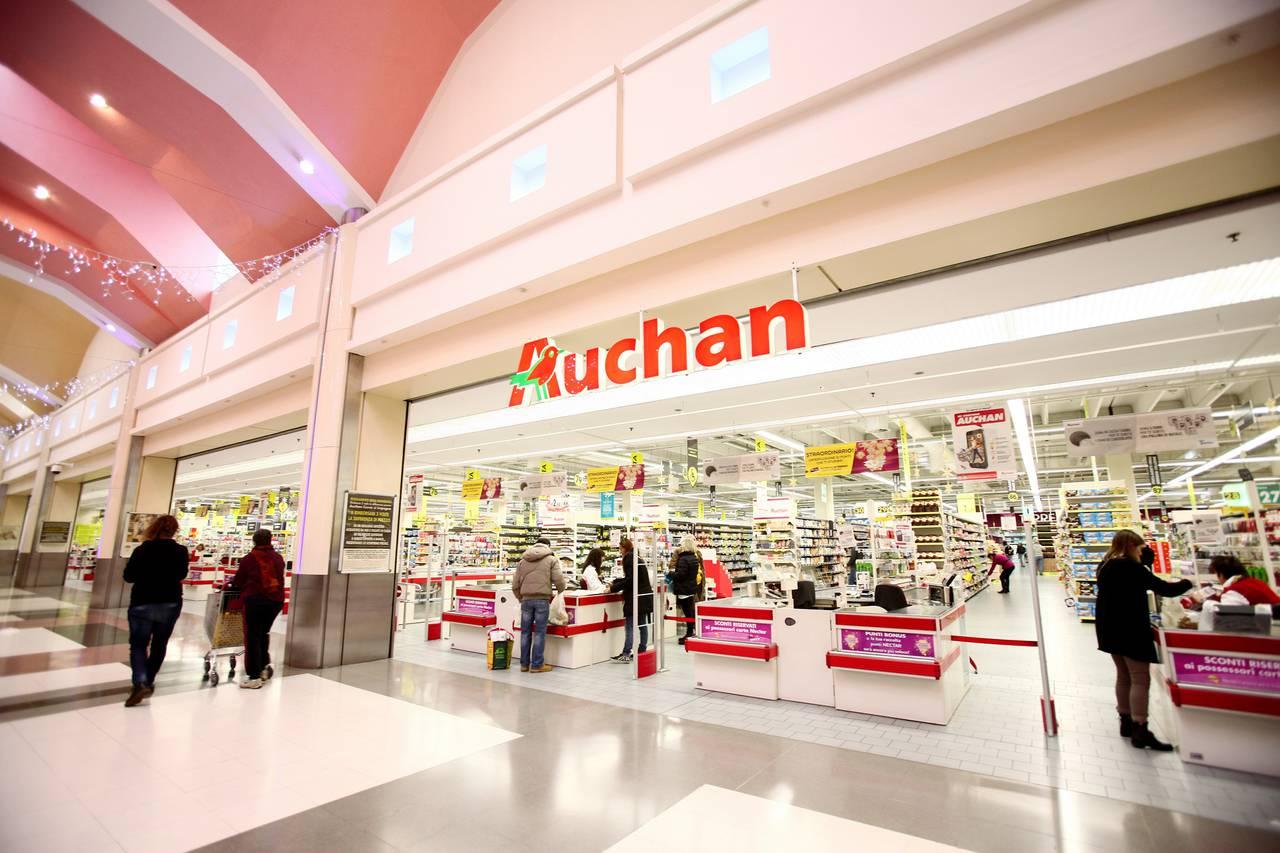 Auchan investe 250 milioni per il restyling dei propri centri for Email auchan