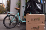 A Milano Cortilia consegna la spesa in bicicletta