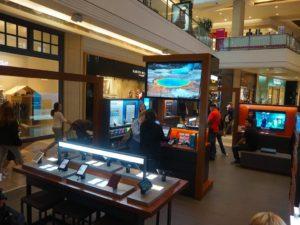 Il pop-up store Amazon in San Francisco - Westfield Mall. Foto: Business Insider/Eugene Kim