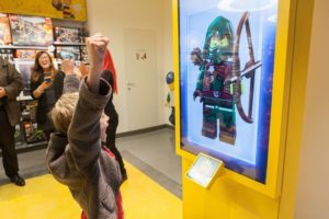 LEGO Store Milano _ LEGO Minifigure Scanner