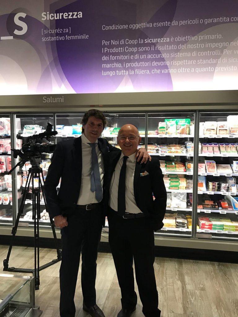 Marco Pedroni (a destra), Presidente di Coop Italia, con Alberto Pozzi di Accenture