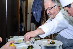Cena-a-12-mani-made-in-sicily-ingresso-sei-cuochi-euro-toques-2