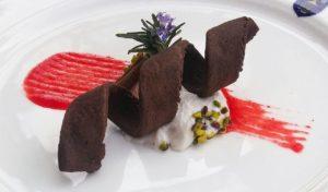secondo classificato 2016-2017 Cannolo siciliano scomposto con ricotta di mandorle, su coulis d'Arancio Tarocco e pistacchi di Bronte. (2)